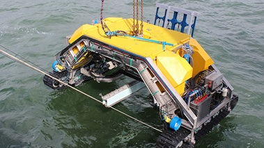 04.04.2016 Прокладывание подводных высоковольтных кабелей осуществляется проще, надежнее и точнее при помощи дистанционно управляемого аппарата-траншеекопателя компании CT Off Shore A/S.